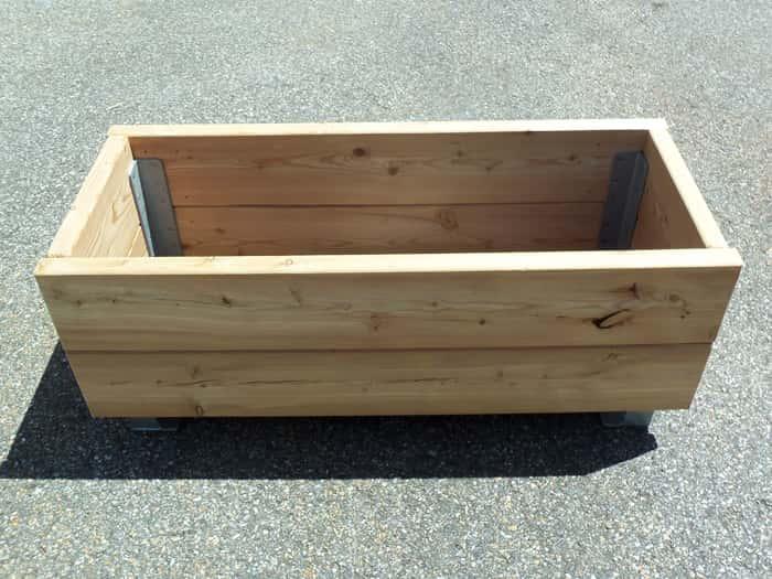 Jardini re bac fleurs bois mobilier d 39 ext rieur bois Fabrication jardiniere bois exterieur