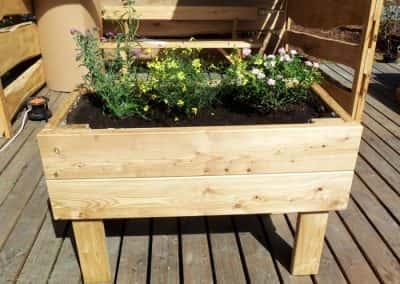 jardiniere-sur-pilotis-monin-bois