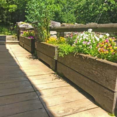Bac à fleurs en bois jardinière en mélèze