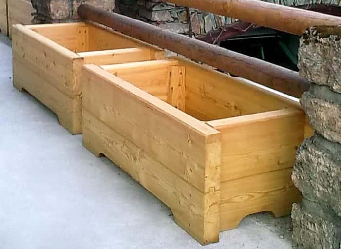 Jardini re en bois bac mobilier d 39 ext rieur en m l ze Fabrication jardiniere bois exterieur