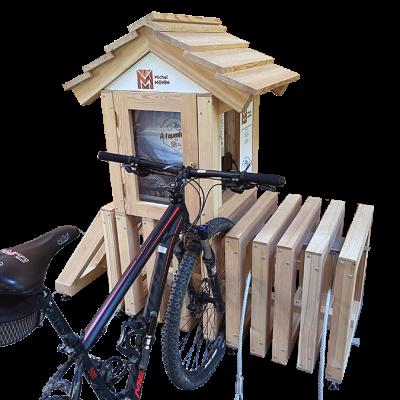 rack à vélos électriques en bois